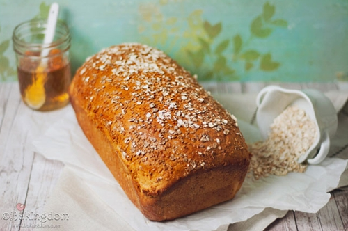 Soft Honey Oat Bread