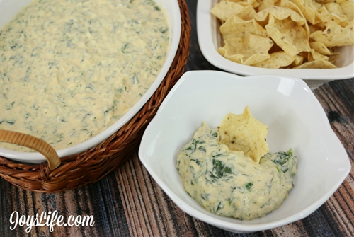Delicious Hot Spinach Cheese Dip