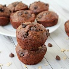 Skinny Oatmeal Chocolate Chip Muffins