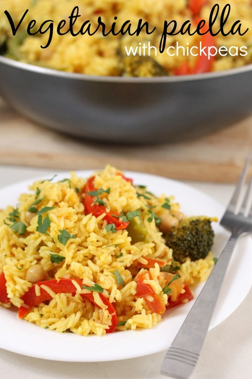 Vegetarian paella with chickpeas