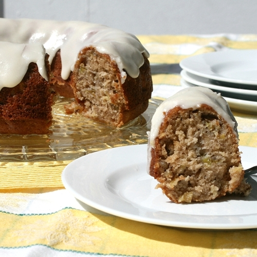 Aunt Fran's Hummingbird Cake