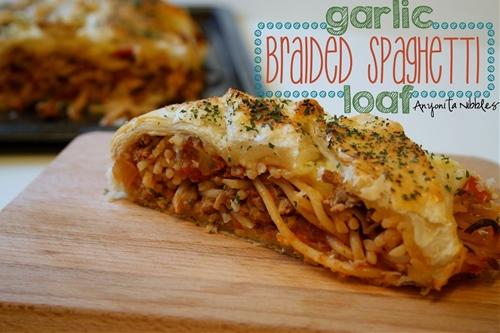 Garlic Braided Spaghetti Loaf / Spaghetti en Croute