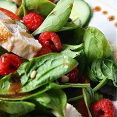 Gluten Free Chicken & Raspberry Salad with Atkins & Potts Black Pepper