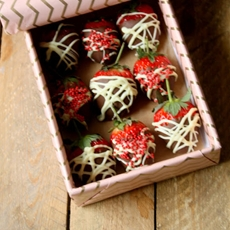 Gluten Free & Vegan Chocolate Strawberries for Valentines Day