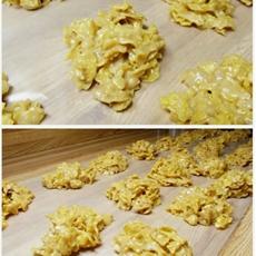 Easy Peanut Butter Cornflake Cookies