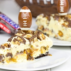 SNICKERS Ice Cream Pie