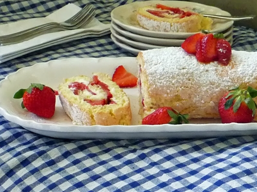 Strawberry Jelly Roll Cake Recipe