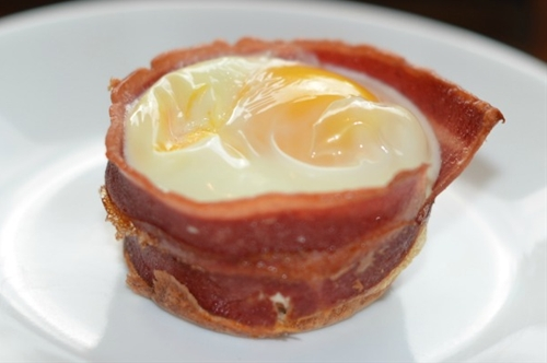 Turkey Bacon Egg Toast Cups