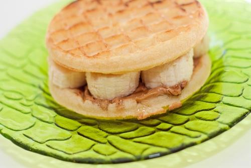 Banana Cinnamon Waffles Recipe