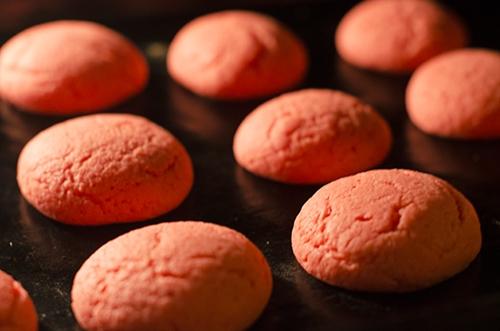 Chewy Strawberry Jello Cookies