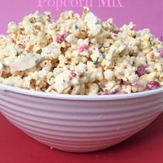 White chocolate popcorn mix