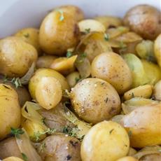 Slow Cooker Garlic Potatoes