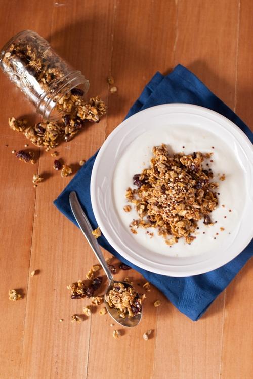 Healthy Quinoa Pumpkin Spice Granola