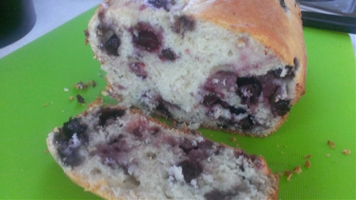 green and glassie: blueberry bread