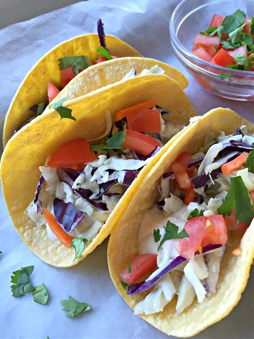 {easy} Grilled Fish Tacos w. Chipotle Sauce