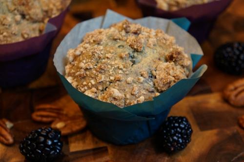 Blackberry pecan streusel muffins