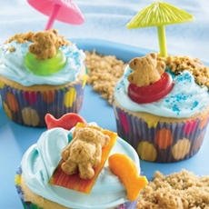 Teddy beach cupcakes
