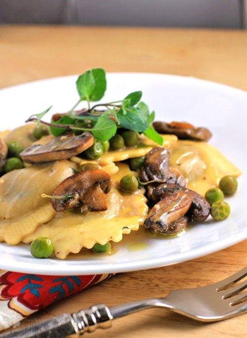 Simple Ravioli Marsala with Mushrooms and Peas