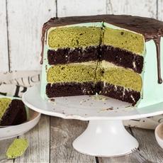 Chocolate Green Tea Cake (Matcha Cake)