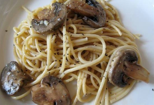 Garlic and Mushroom Pasta