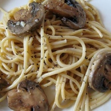 Garlic and Mushroom Pasta