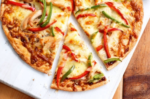 Chicken, Capsicum and Onion Pizza