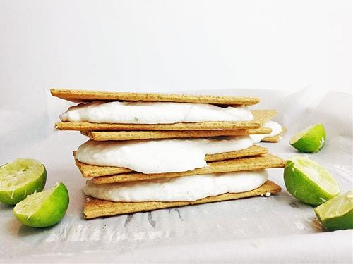 Frozen Key Lime Cheesecake Sandwiches