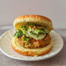 ?? Mexican Salmon Burger With Slaw {South Of The Boarder Flavor}