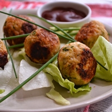 Vietnamese Chicken Meatballs in Lettuce Wraps