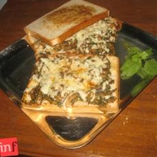 Mushroom Palak Toast