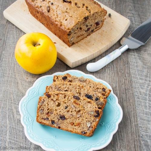 Fruit & Cinnamon Applesauce Bread