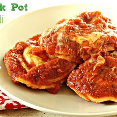 Easy Crock Pot Ravioli