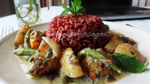 Thai Red Rice & Green Curry with Potato & Butternut