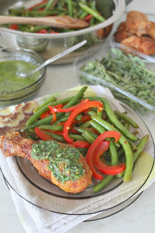Fried chicken, Caramelized spicy green beans and Chimichurri sauce