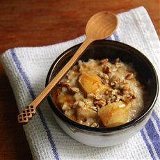 Fall Harvest Oatmeal with Pears