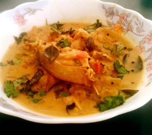 Coconut Rawas Curry– Rawas (Indian salmon) in coconut gravy