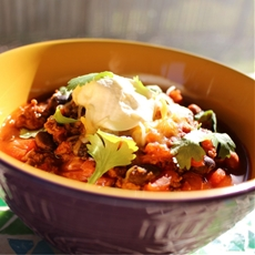 Hearty Chili with Beef, Beans, and Roasted Red Peppers