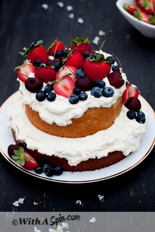 Whipped Cream and fresh fruit topping cake recipe Chefthisup