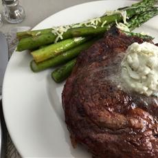 Grilled Steak with Gorgonzola Butter