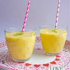 Mango, Lime & Mint Breakfast Smoothie.