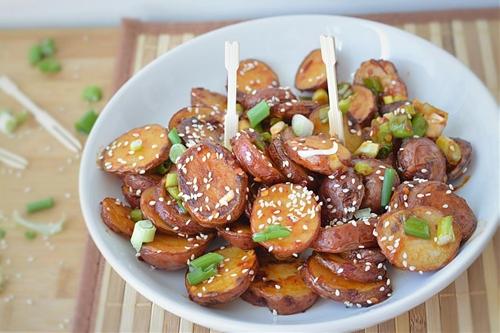Baked Potatoes in Chili Garlic Sauce