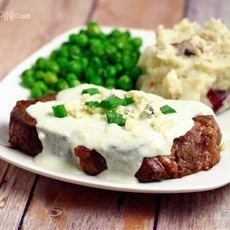 Steak with Creamy Gorgonzola Sauce
