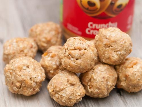 Caramel Pretzel Peanut Butter Snack Bites