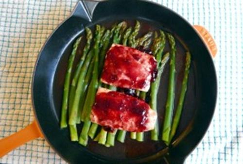 Berry Glazed Salmon w/ Asparagus