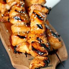 Honey Sriracha Grilled Chicken Skewers