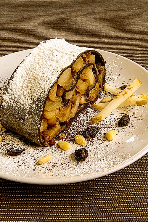 STRUDEL WITH PEARS AND CHOCOLATE