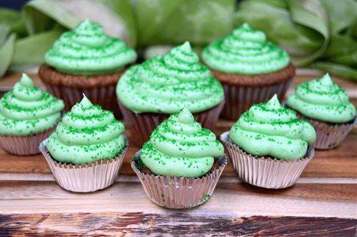 Baileys Irish Cream Soaked Cupcakes