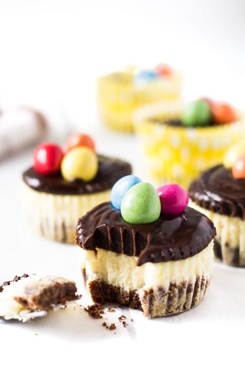Mini Chocolate Easter Cheesecakes