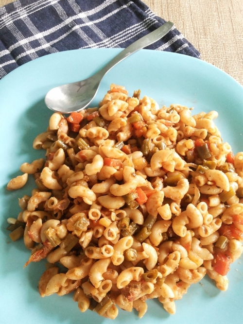 Chinese stir fried chicken macaroni