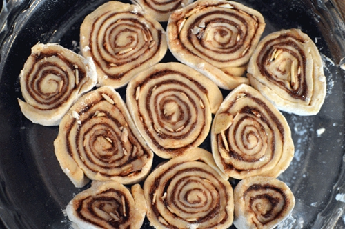 Almond Cinnamon Rolls with Amaretto Cream Cheese Icing